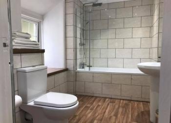 Bathroom (3 bed Cottage)
